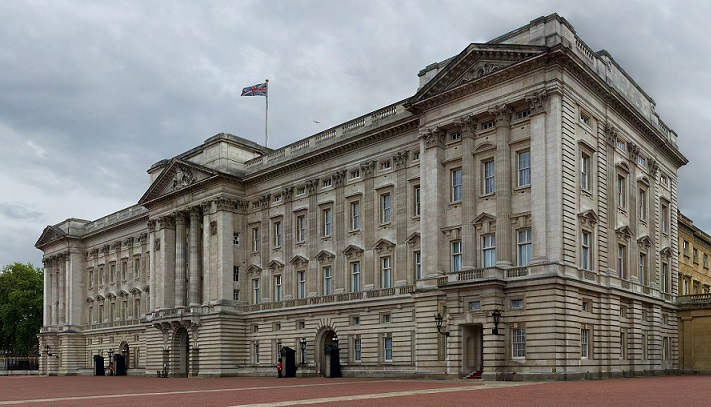 Buckingham Palace Van Hire 2